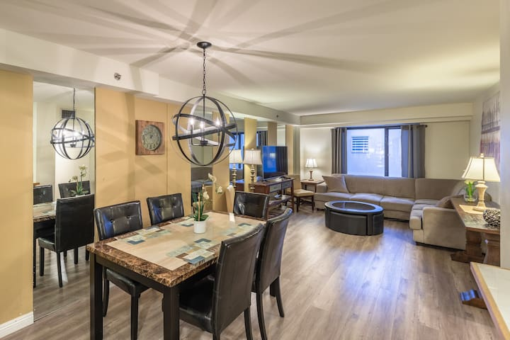 Stay Together on The Strip - 2 Bedroom Suite