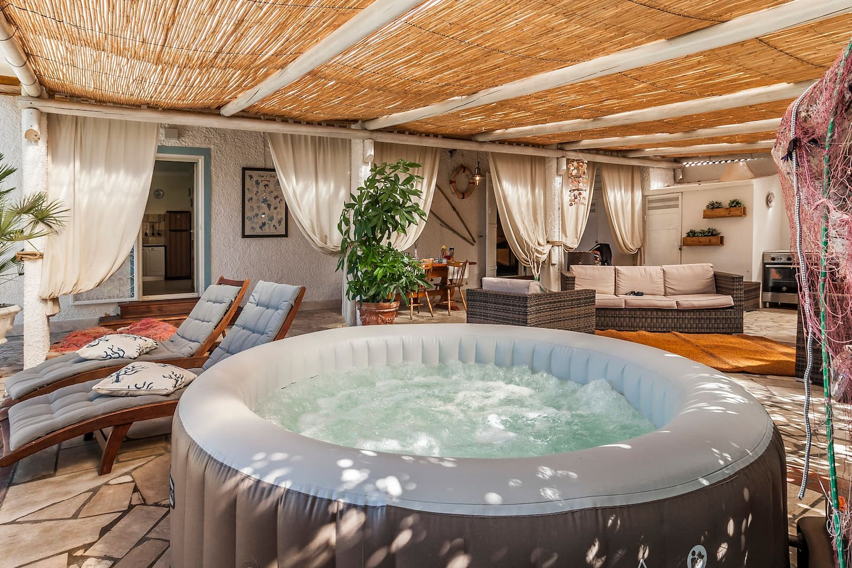 Jacuzzi indoor  Villa mit Indoor Jacuzzi Garten und Schwimmbad - Villen zur Miete in ...