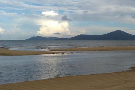 Machans Beach Ocean Escape - Machans Beach