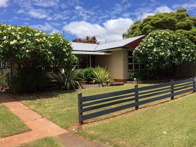 "2 BED HOUSE + Foxtel 65"" LED - Great Location!"