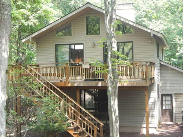 Tranquil Mountain Home In Lake Harmony - Lake Harmony - Vacation home