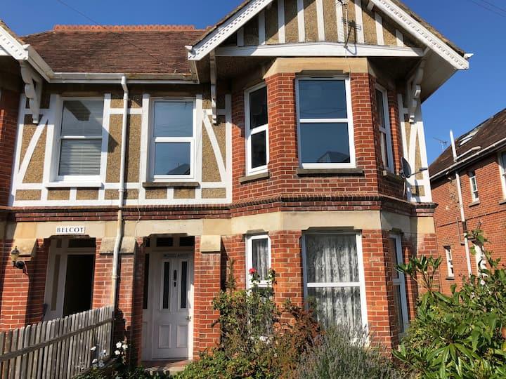 Newly refurbished 6 bedroom house