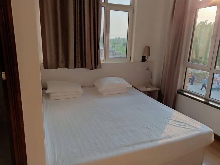 山海关乐岛对面大床房