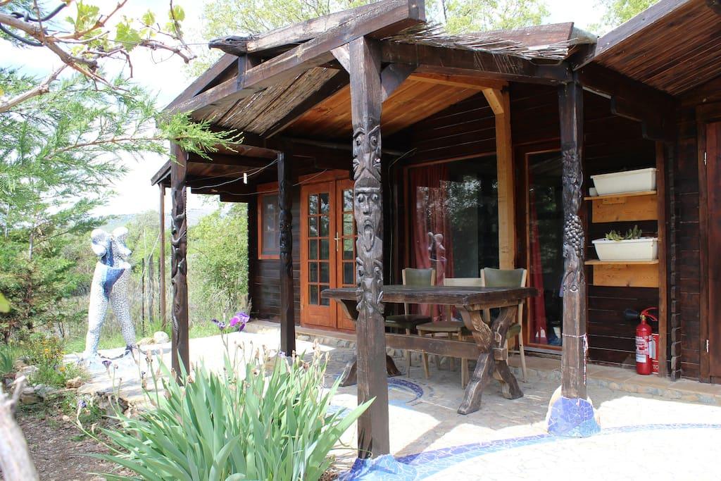 Casetas de madera en el valle de los buitres for Casetas para banos