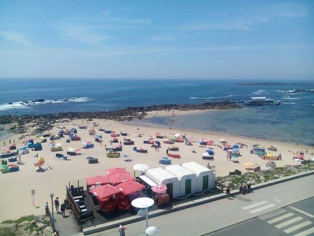 Vista Mar - T2 Primeira Linha de Praia