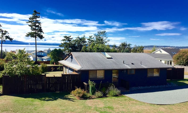 The Byrd Cottage on Whidbey: Amazing Views - Coupeville - Dom