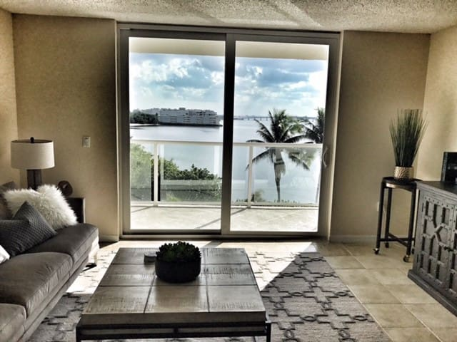 PALM BEACH WITH BEACH ACCESS 503!!! - Palm Beach - Leilighet