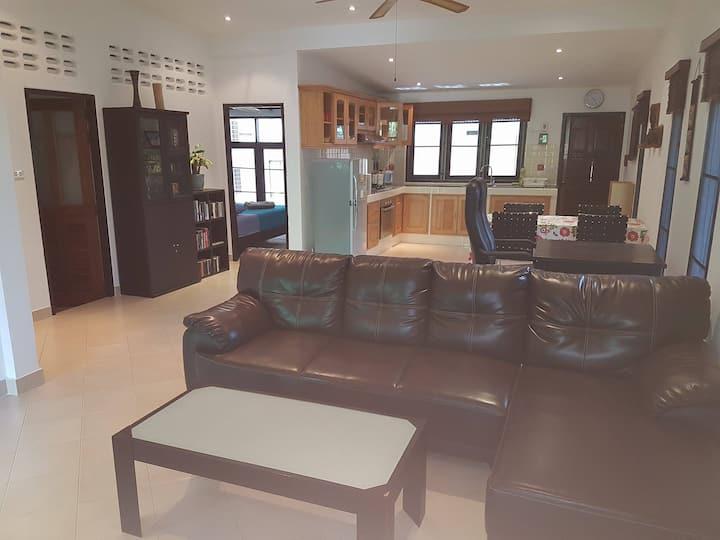 120 sq m 2-Bedroom Pool Villa Near Aonang Beach