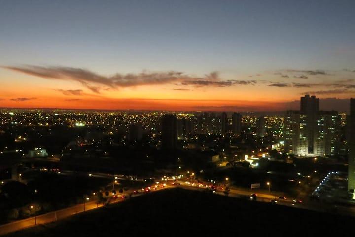 Quartos ao pôr do sol de Goiânia