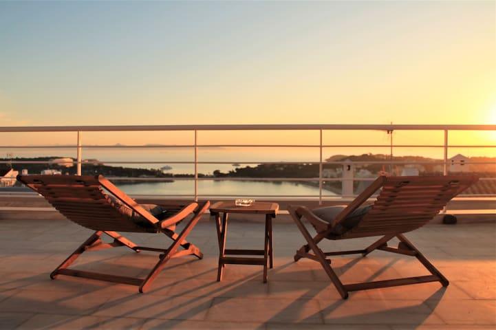 Sunset Villa Vouliagmeni