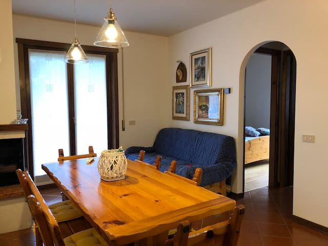Tavolo Allungabile Fino A 6 Metri.Airbnb Asiago Vacation Rentals Places To Stay Veneto Italy