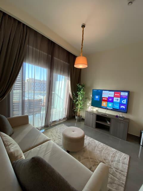 Modern luxury apartment in masdar city 202 A