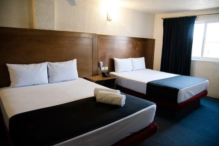 Hotel Central Irapuato- Hab Privada/2 Camas Dobles
