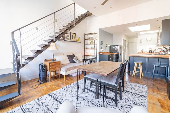 Huge 2-Story Skylight Loft—Mt Sinai/Cent Park Walk