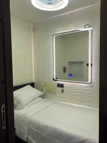 DownTown private sleeping PODS room in Hotel BnB-3