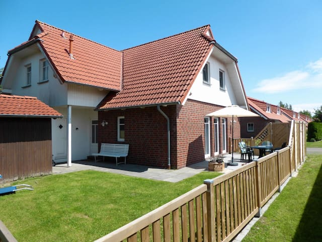 "House Ferienpark ""Am Meer"" in Burhave for 6 persons"