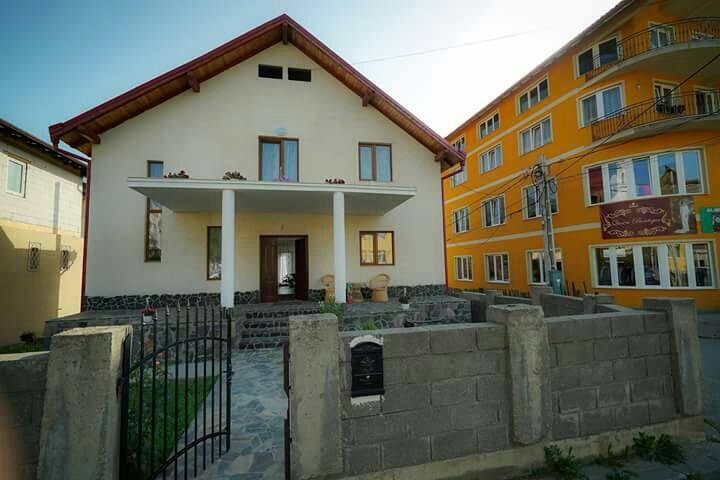 Apostol Town House