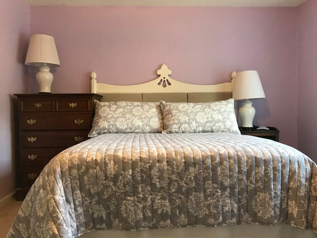 Queen Size Bed in Front Bedroom