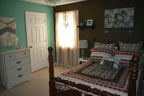 Horse Branch- private room with full bed