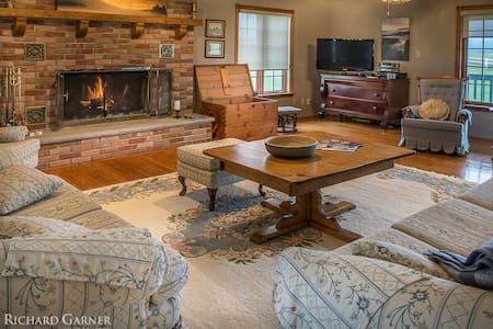 Creemore Country Estate w/Pool/Tennis/GYM HOT TUB - Creemore