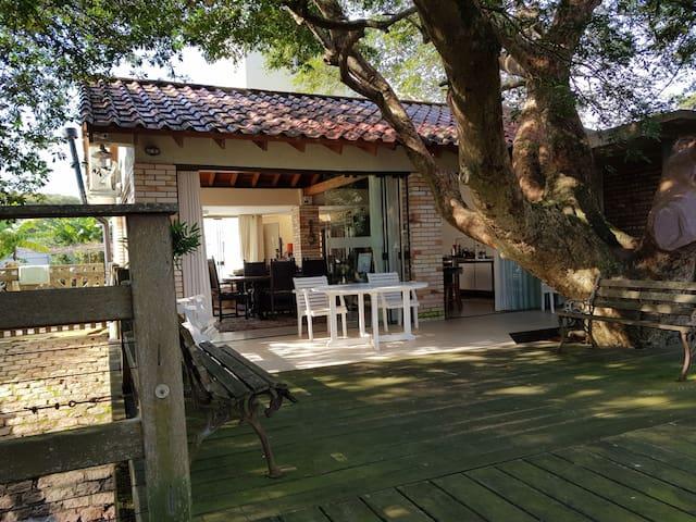 Casa na ilha da pintada ,fundos rio Jacuí