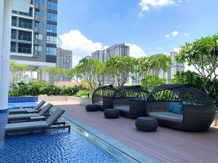 River View Apartments. District 2