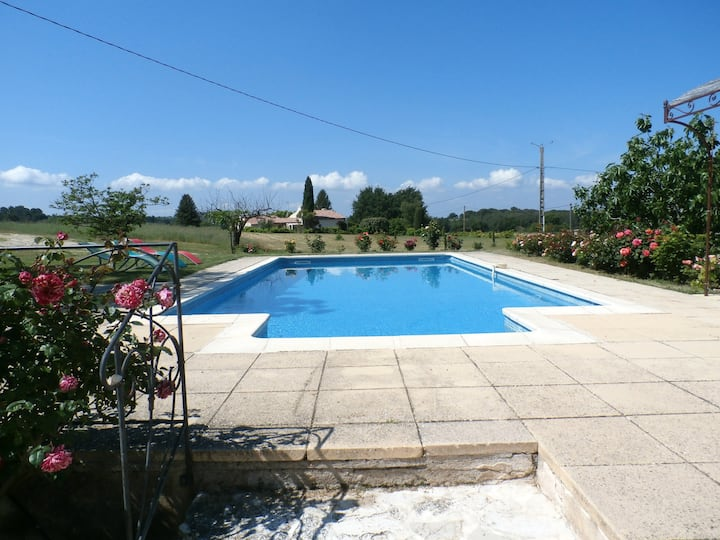 Villa with 3 bedrooms in La Tour-d'Aigues, with private pool, furnished garden and WiFi