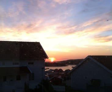 Parhus med fantastisk havsutsikt - Väjern