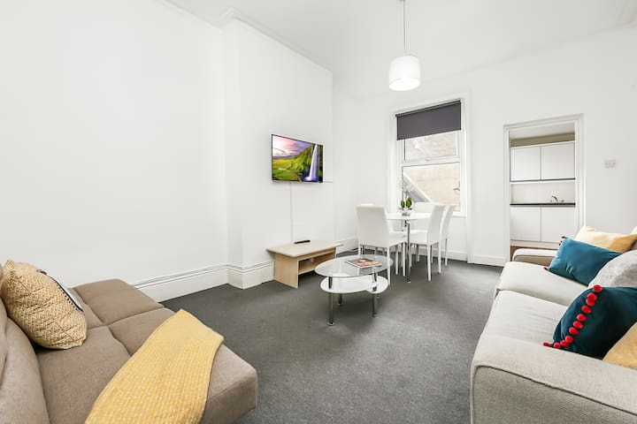 2 Bed Apartment in the Hub of Crouch End!