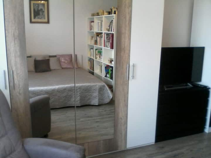Apartment near the city centre-with beautiful view