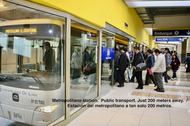 Metropolitano station.  Public transport. Just 300 meters away.  /  Estación del metropolitano a tan solo 300 metros.
