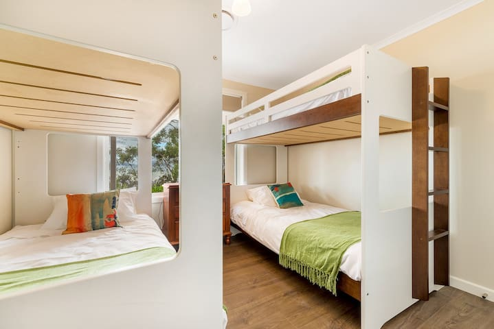 Bedroom 4 with 2 sets of king single bunks