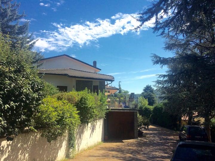 Villa indipendente sui colli