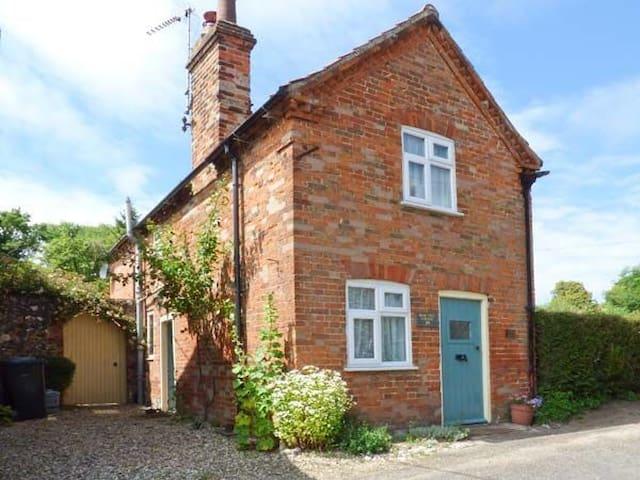 Pear Tree Cottage in Castle Acre, West Norfolk
