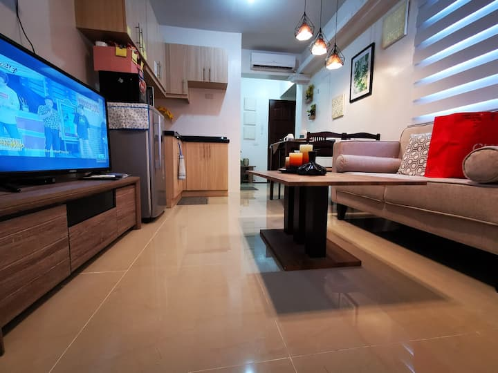 Mira's Place : One-Bedroom Unit with Pool and Wifi