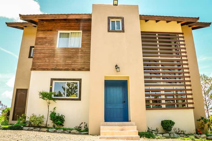 Vista del Balcón, Villa Azul