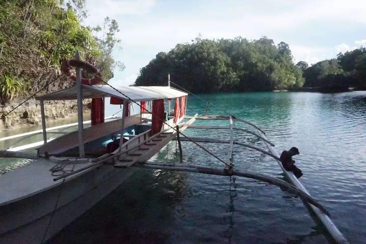Layka Service Boat