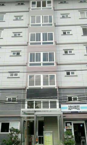 Zonevill condominium