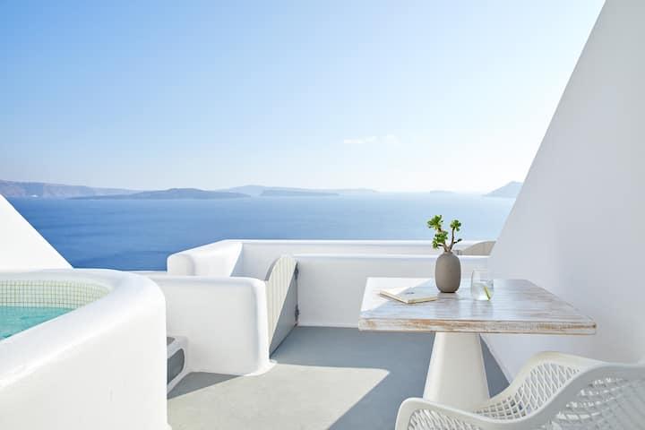 Superior Villa with outdoor hot tub-caldera view