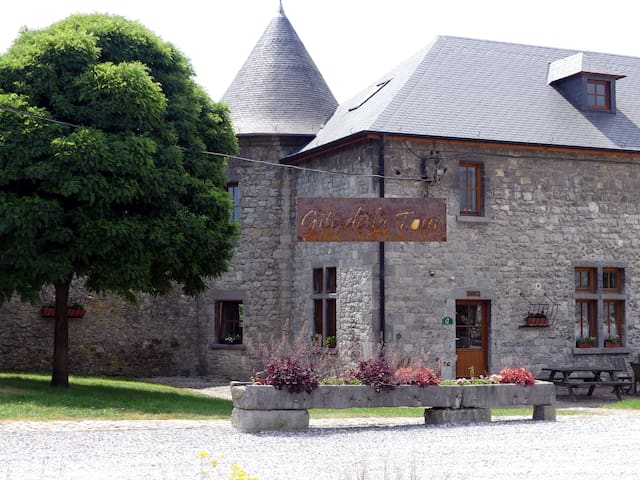 "Gîte de ""la tour"" - Ferme Château de Laneffe"