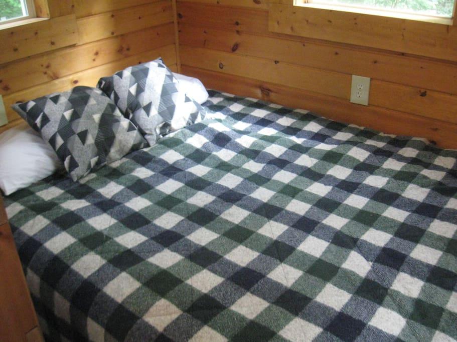 The Viking or Navajo King Bed