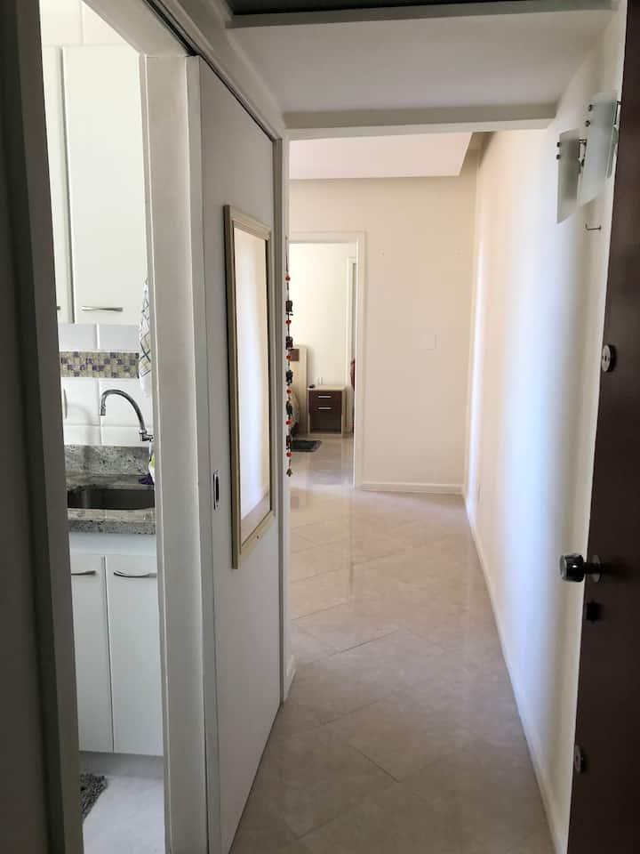 Apartamento 1 quarto de alto nível em bairro nobre