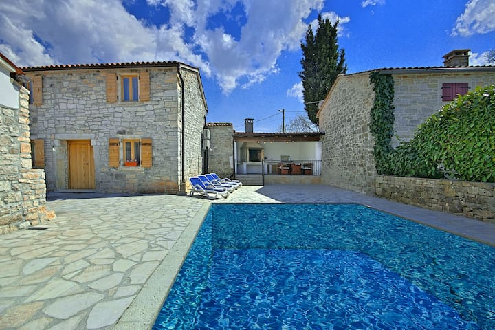 Renewed Stone House Casa Tereza with Pool - Mrgani - Villa