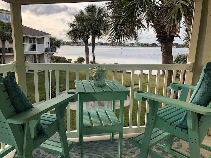 Beautiful waterfront condo on Villa Sabine