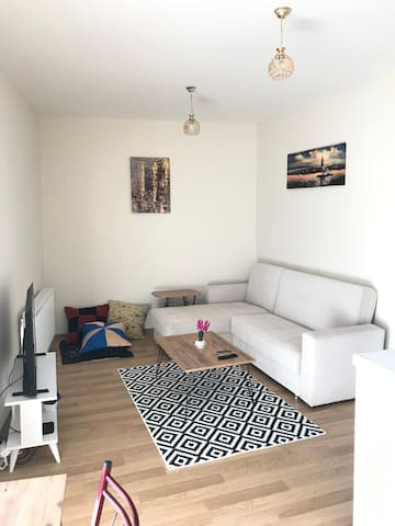 Quiet and cosy home close to metro and FSM