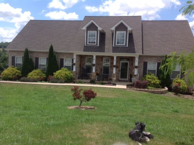 Lg Home Near Bristol Motor Speedway - Bluff City - Hus