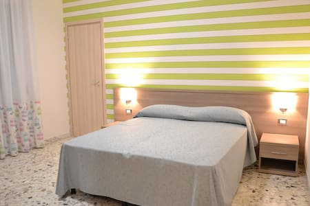 B&B Dindonciao ~ Camera Verde Matrimoniale/Doppia - โรม