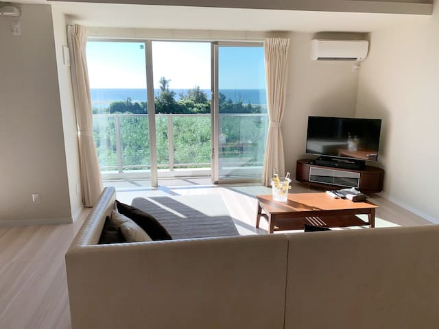 【By the Beach & Blue Cave】Luxury Ocean View Condo