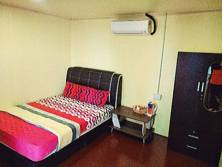 Amazing  Beach Front Permata Chalet - Double Room