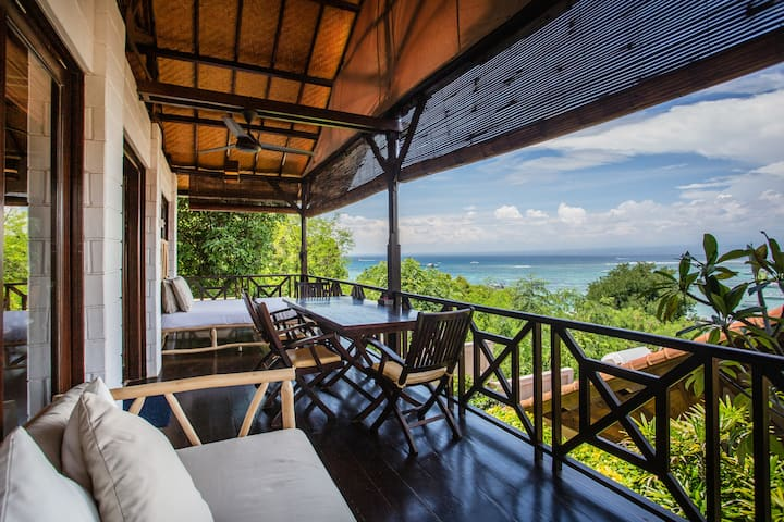 3 Bedroom Family Villa Ocean Views at Lembongan